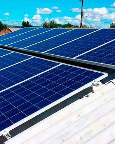 ENERGIA SOLAR VAI ABASTECER ESCOLAS DA REDE MUNICIPAL