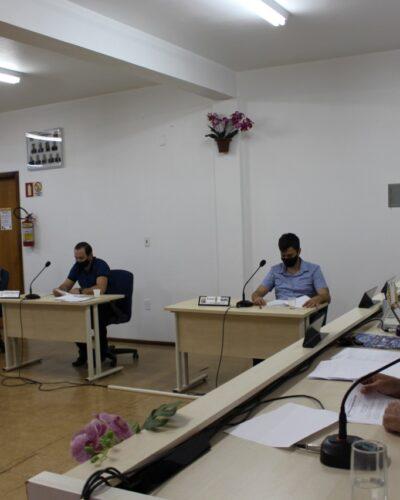 CONTRATAÇÕES DE PROFESSORES E MONITORES NA CÂMARA