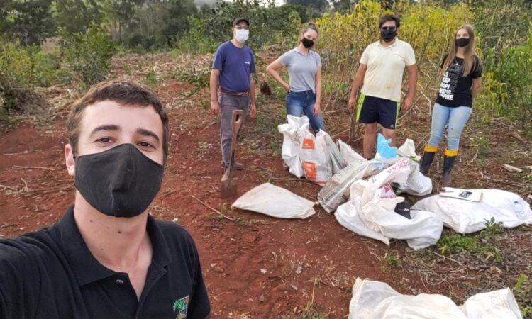 PESQUISA COM MANDIOCA EM PROPRIEDADE DE ARROIO BONITO